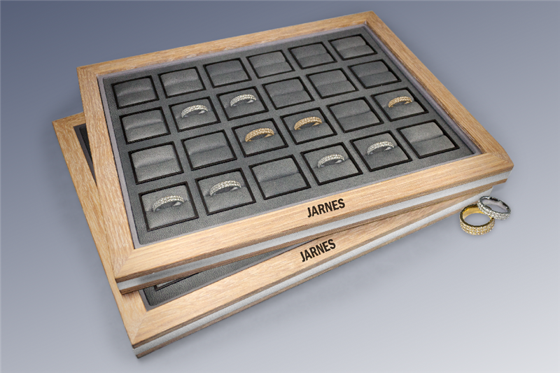 The VIP jewellery box with an oak frame - Danish craftsmanship from Jarnes